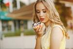 Захарта – враг на килограмите, но и на кожата